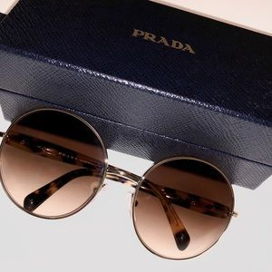 🆕❗️⚜️Prada Sunglasses ⚜️
